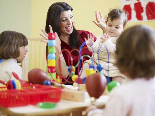 характеристика на младшего воспитателя детского сада образец
